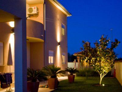 Villa Mihaela apartments with pool in Fazana